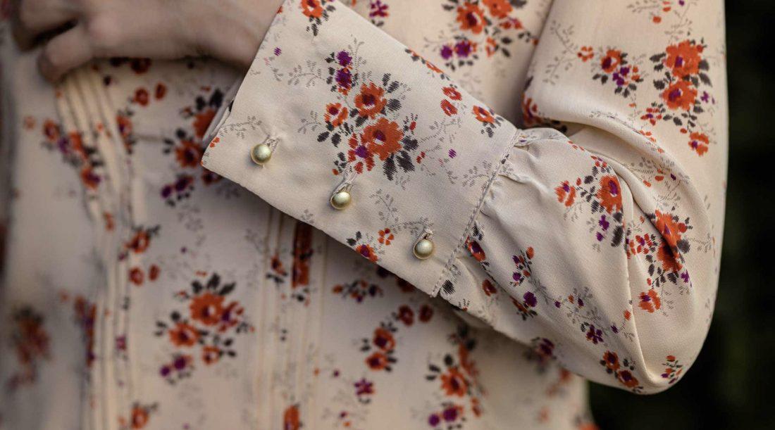 Christine-G_blouse-fleurie_details-3959